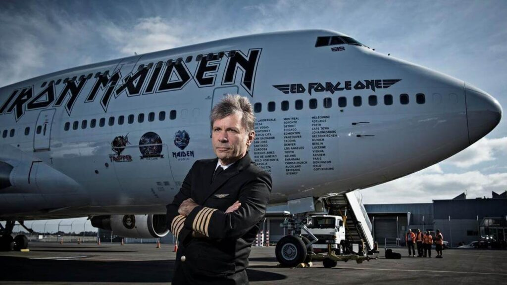 BRUCE-DICKINSON-BOEING-747-IRON-MAIDEN-Ed-Force-One-la_gran_travesia-Radio_free_rock