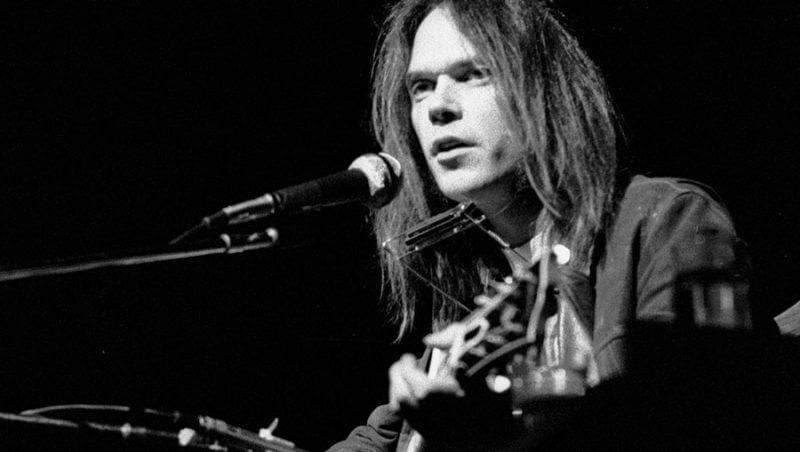 neil-young-radio-free-rock-la-gran-travesia