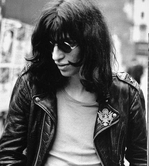 Joey-Ramone-the-ramones-la-gran-travesia-radio-free-rock